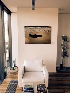 Christian Block Fotografie | Schatten über Baku in der Beta Klinik Bonn